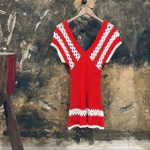 Vintage red & white deep v tunic sweater